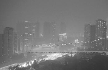 安徽多地遇重度污染天气 未来两天扩散