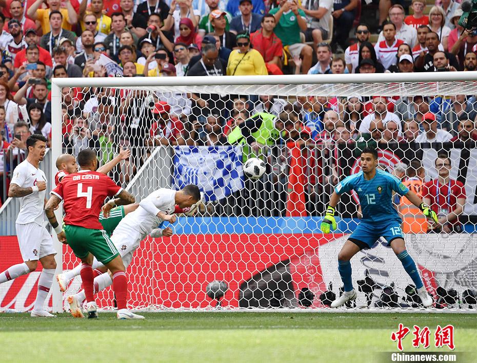 C罗俯身冲顶连场破门 摩洛哥0-1