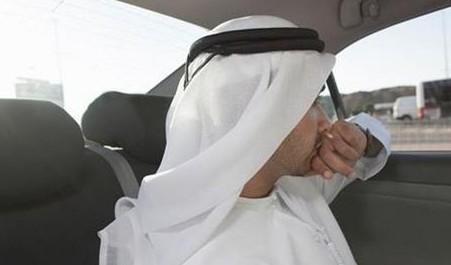 天下奇闻:阿拉伯男子因长得太帅 遭沙特警察驱逐出境[图]